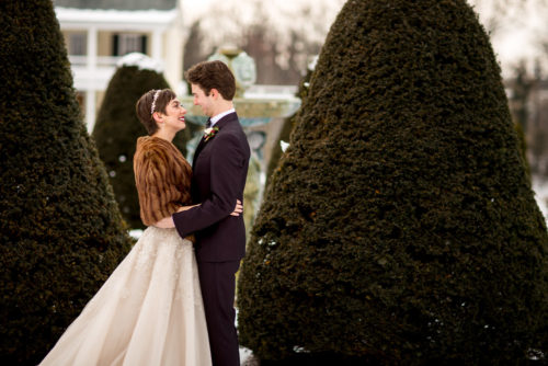 bride groom snow
